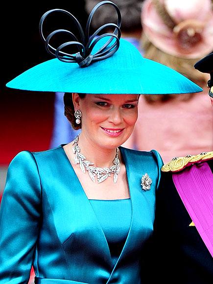 Királyi esküvő: a világ legnagyobb kalap bemutatója - ujdonsagok -