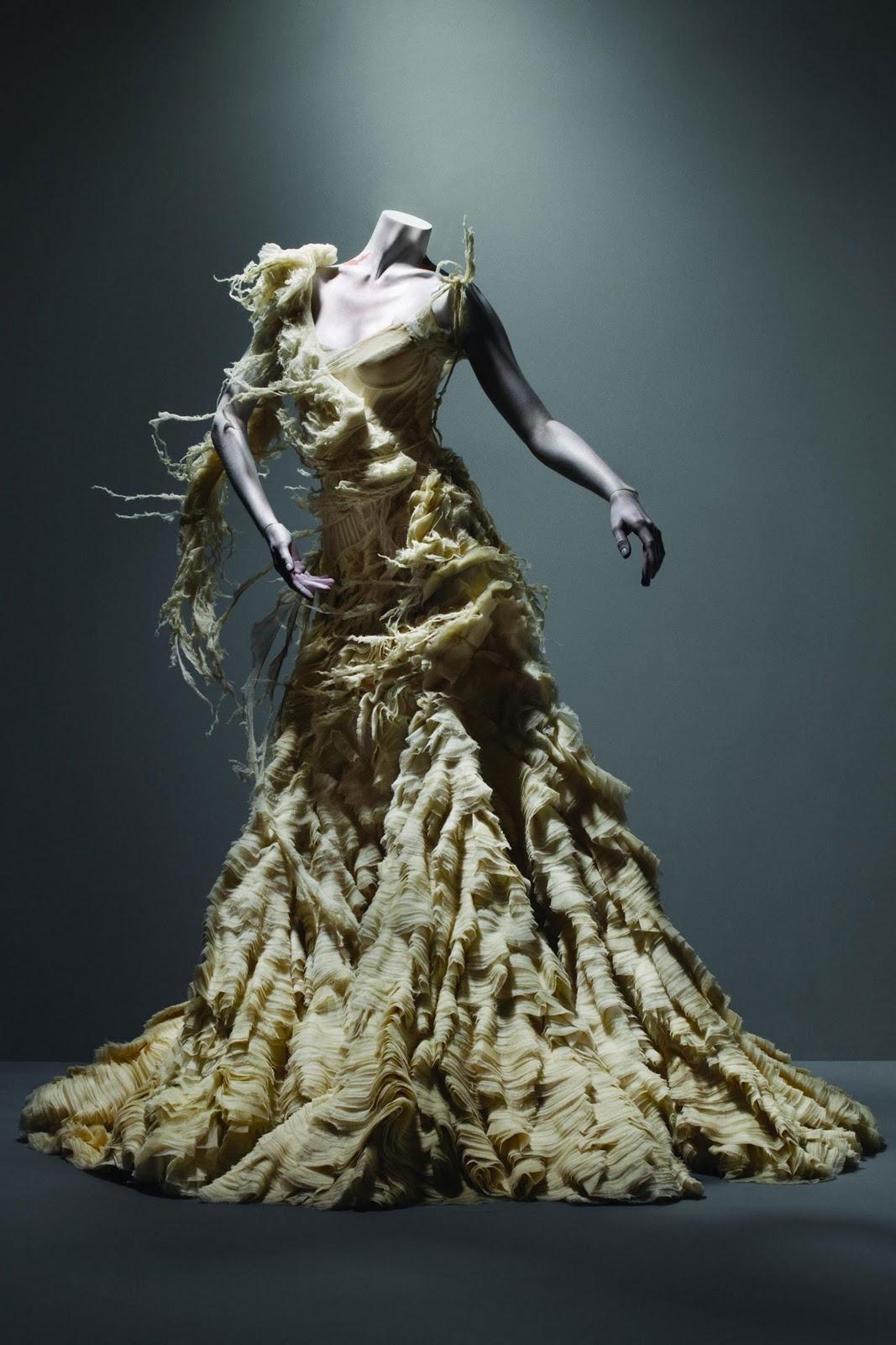 Alexander McQueen - Savage Beauty márciustól Londonban! - kiallitas, ujdonsagok, ajanlo -