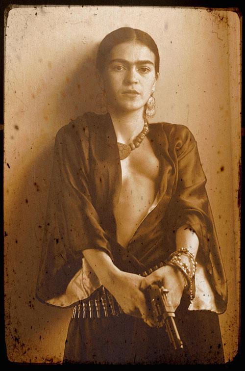 Frida Kahlo botrányt kavar - minden-mas, ikonok-es-divak, ujdonsagok -