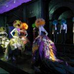 A punkok bevonultak a Metropolitan Museumba- Chaos to Couture