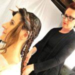 Ókori hajviseleteket rekonstruál egy amerikai fodrász