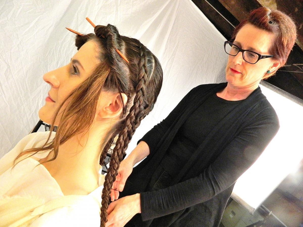 Ókori hajviseleteket rekonstruál egy amerikai fodrász - haj-2, divat-tortenetek -