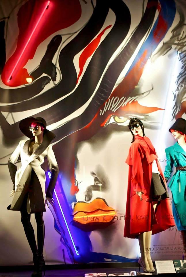 Tony Viramontes képei a Bergdorf Goodman kirakataiban - minden-mas, kirakat-2 -