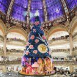 A párizsi Lafayette áruházban mesés a karácsony