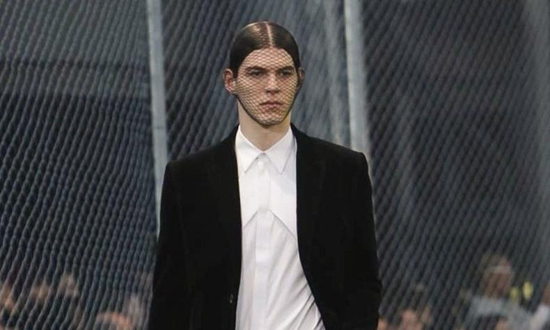 Magyar modell nyitotta meg a Givenchy show-t Párizsban - sztar-hirek, minden-mas -