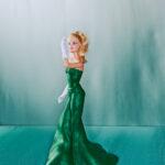 Cuki Charles James ruhákat kapott Barbie