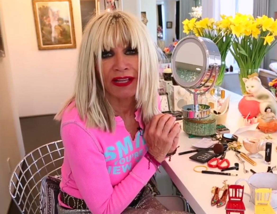 Így él Betsey Johnson - oszi-es-teli-divat, lakberendezes-otthon, ujdonsagok -