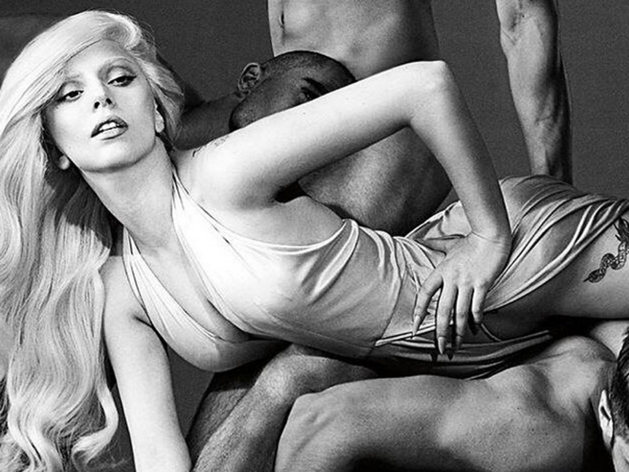 Két év után új parfümmel jelentkezik Lady Gaga - parfum-2, minden-mas, beauty-szepsegapolas -