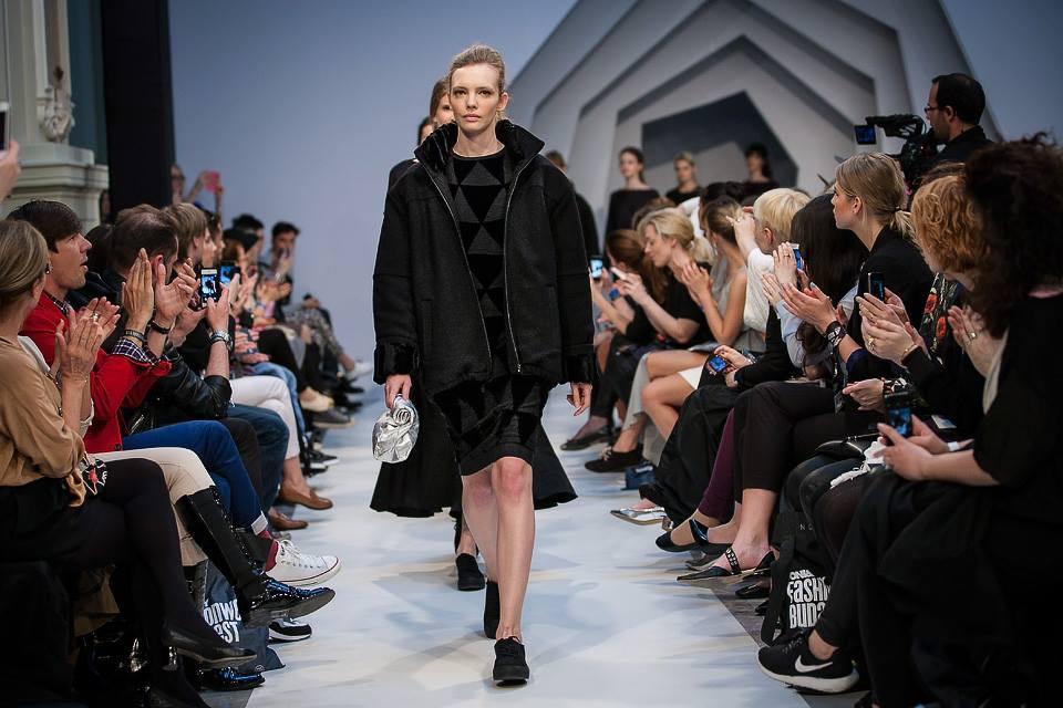 Szép vagyok, és komolyabb lettem - Je Suis Belle 2014/15 - oszi-es-teli-divat, minden-mas, magyar-divat, fashion-week, ujdonsagok, budapest-fashion-week -