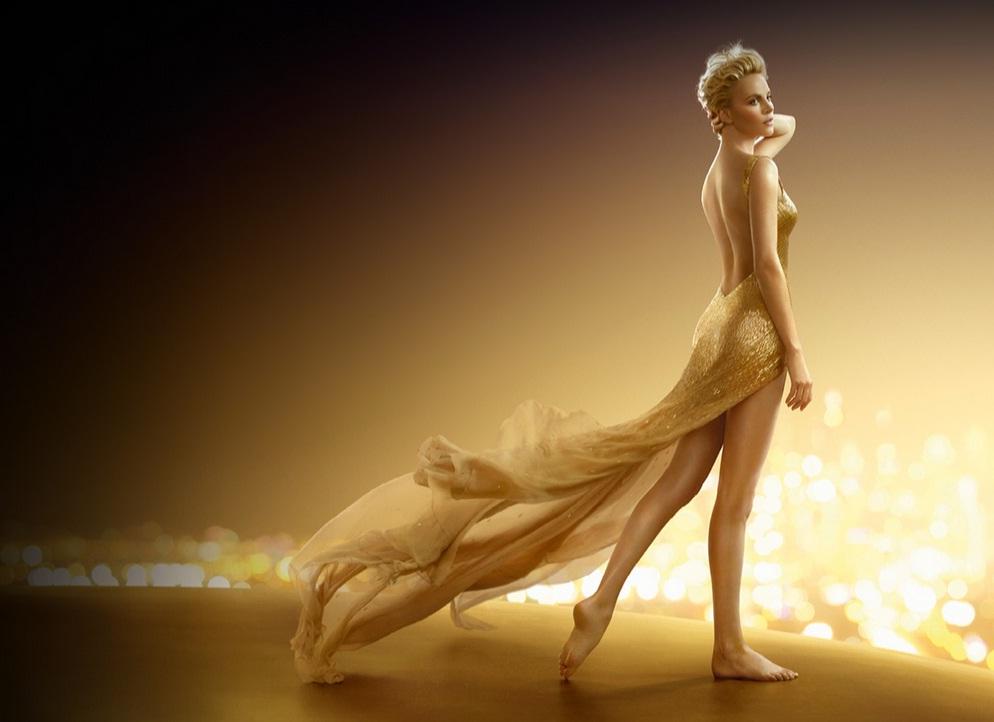 10 éves jubileumát ünnepli Charlize Theron és a Dior J'adore - jelmezeksztarok, sztar-hirek, minden-mas -