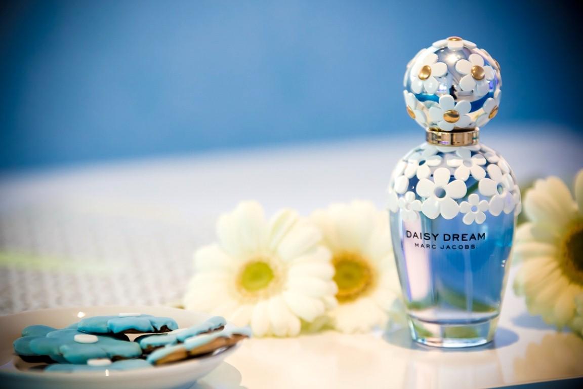 DAISY DREAM MARC JACOBS - A LÁNYNAK, AKI ÁLMODNI MER - parfum-2, beauty-szepsegapolas -