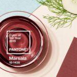 2015 hivatalos színe a barnás vörös marsala