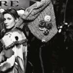 Gisele Bündchen mezitláb pózol a Chanel 2015-ös kampányában