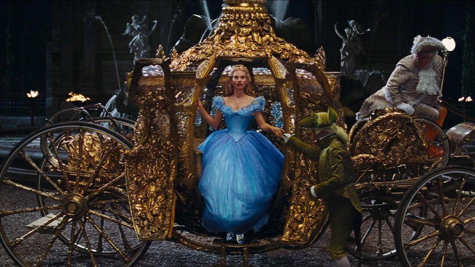 Oscar díjas tervező készítette a Cinderella jelmezeit - minden-mas, jelmez -