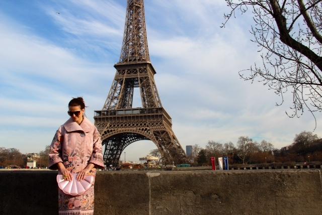 Amikor egy kabát leállítja a forgalmat Párizsban… - vendeg-blogger, minden-mas, magyar-divat, ujdonsagok -