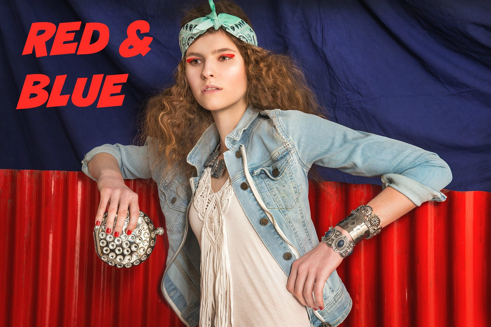 RED AND BLUE - editorial - minden-mas, editorial, ujdonsagok -