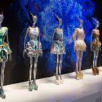 Augusztusig Londonban az Alexander McQueen kiállítás