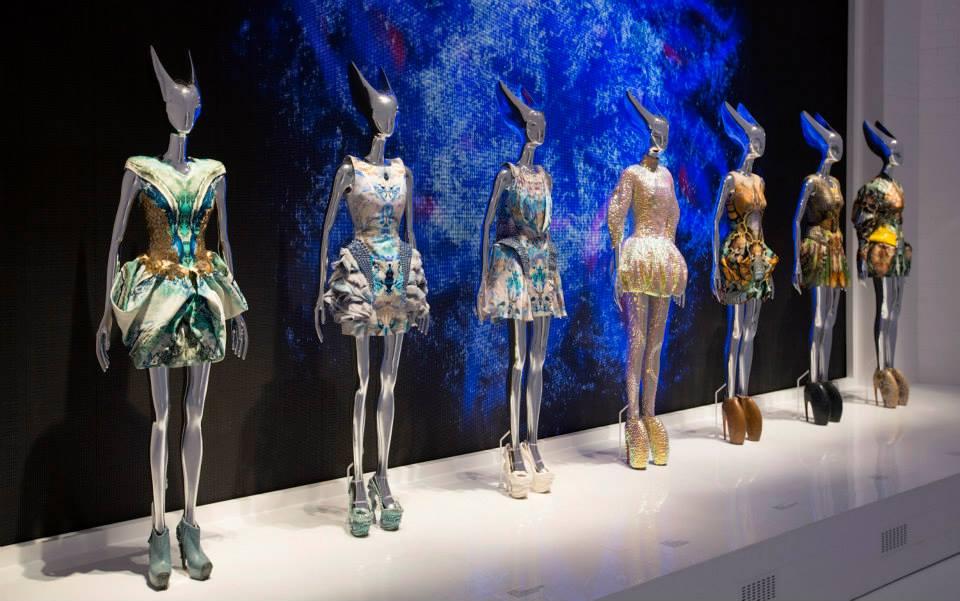 Augusztusig Londonban az Alexander McQueen kiállítás - minden-mas, kiallitas, artdesign -