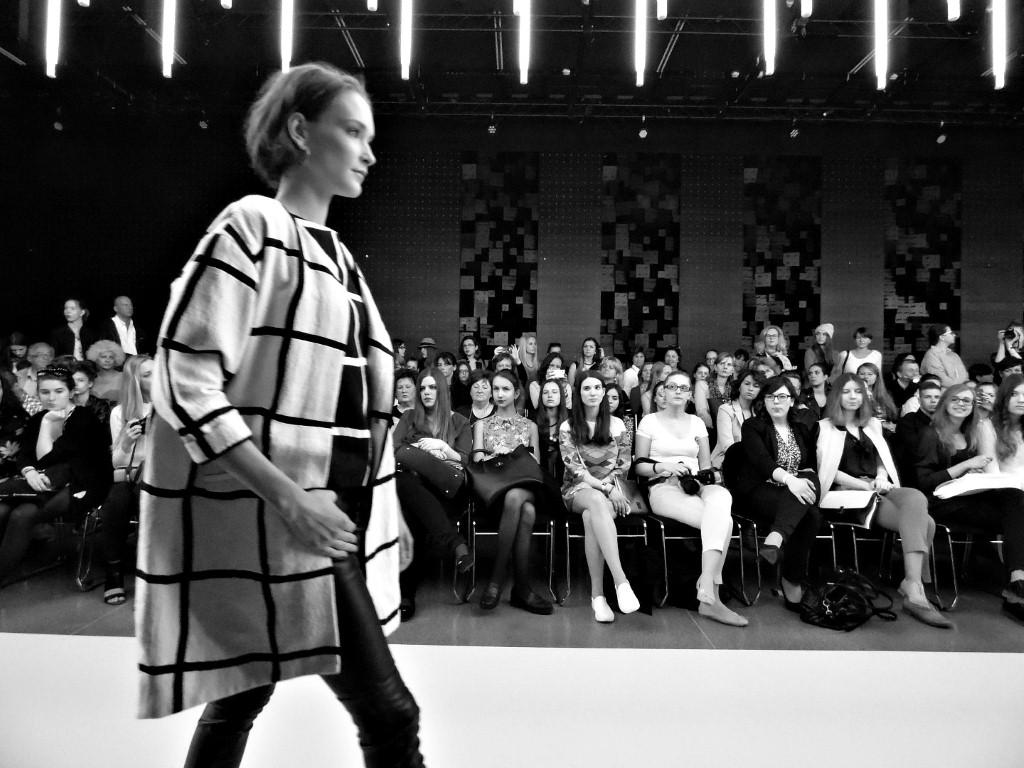 Francia tervezők az Elle Fashion Show-n : Valentine Gauthier - oszi-es-teli-divat, minden-mas, ujdonsagok -