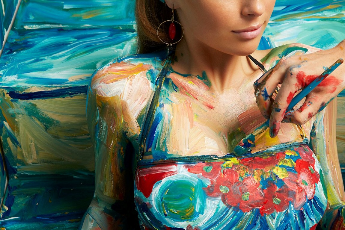 Élő festmények készültek a Desigual kollekciójával - tavaszi-es-nyari-divat, taska-2, minden-mas, ujdonsagok -