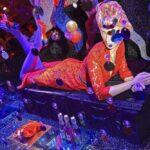Harvey Nichols karácsonyi kirakata disco klubot idéz