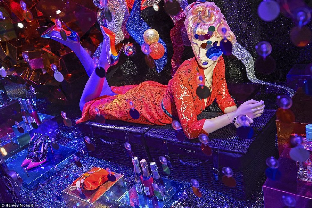 Harvey Nichols karácsonyi kirakata disco klubot idéz - minden-mas, kirakat-2, karacsony-2 -