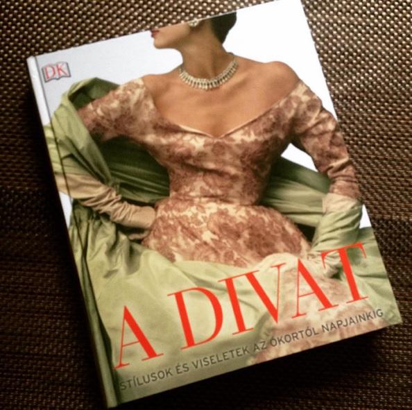Könyvajánló: A divat - minden-mas, konyvajanlo-2, ajanlo -
