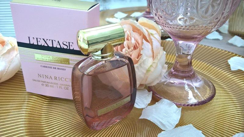 Nina Ricci rózsás vágyai: L'Extase Caresse de Roses - parfum-2, beauty-szepsegapolas -