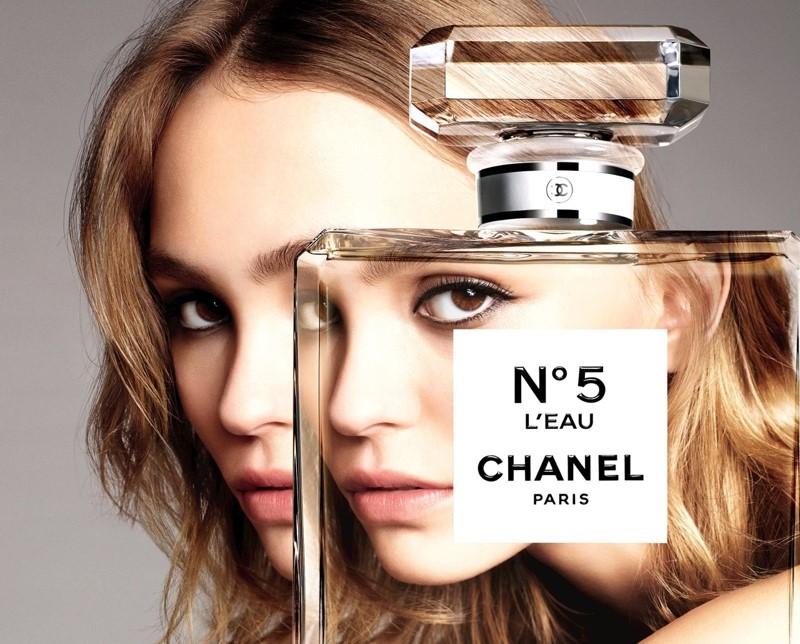 Lili Rose Depp Chanel 5