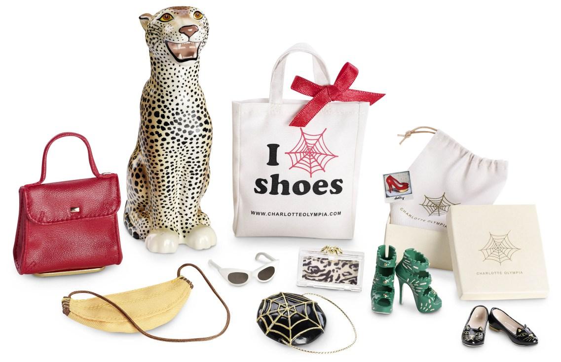 Charlotte Olympia Barbie-val készített kollekciót - taska-2, kiegeszitok-2, cipo-2 -