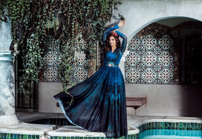 Michal Negrin fotózás Sarka Kata kék estélyi ruha