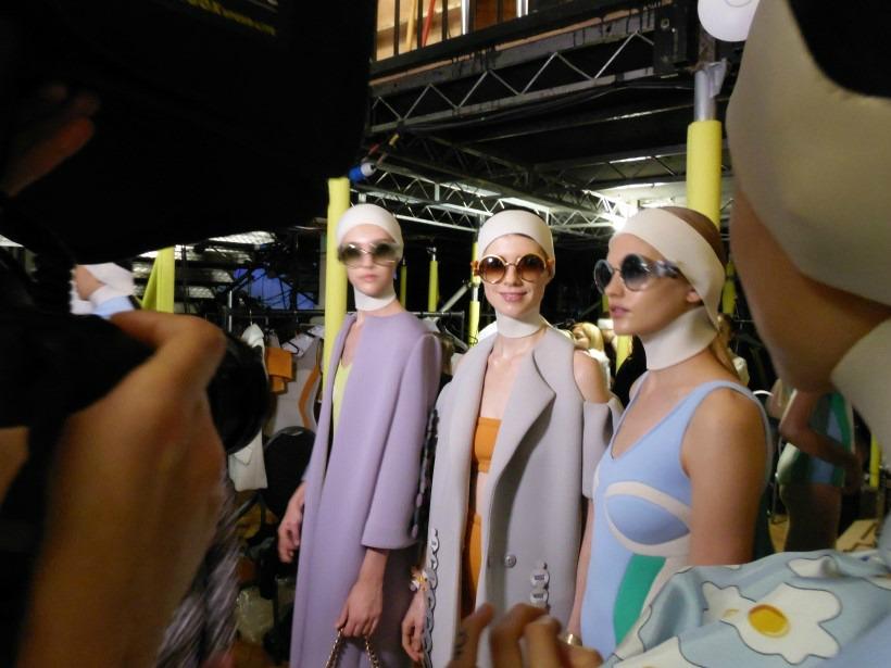 Anya Hindmarch London Fashion Week divathét 2017 circulus mac cosmetics backstage