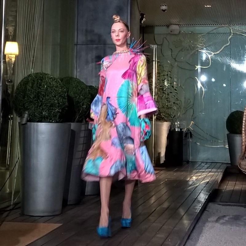 London Fashion Week divathét magyar divatblog Parádi Gabriella divatbemutató vin and omi