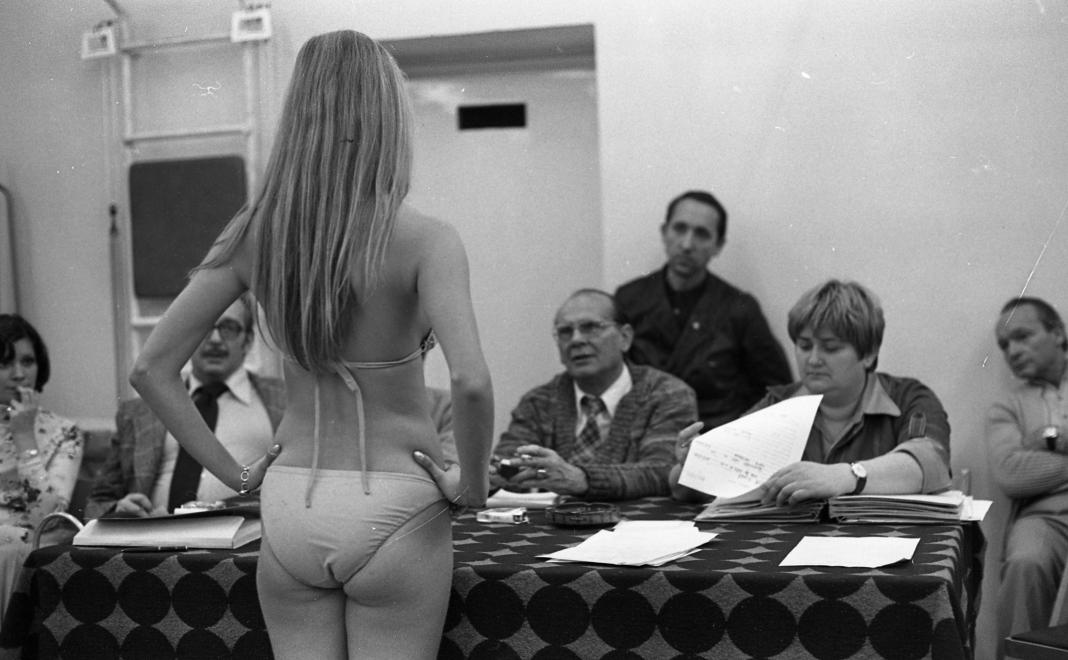 Ilyen volt a manöken felvételi a hetvenes években - divat-tortenetek -