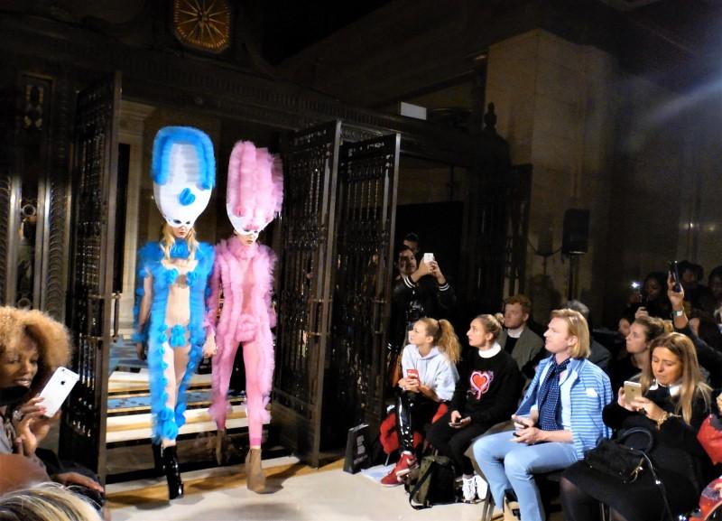 Pam Hogg és az ártatlanság vélelme - tavaszi-es-nyari-divat, minden-mas, london-fashion-week -