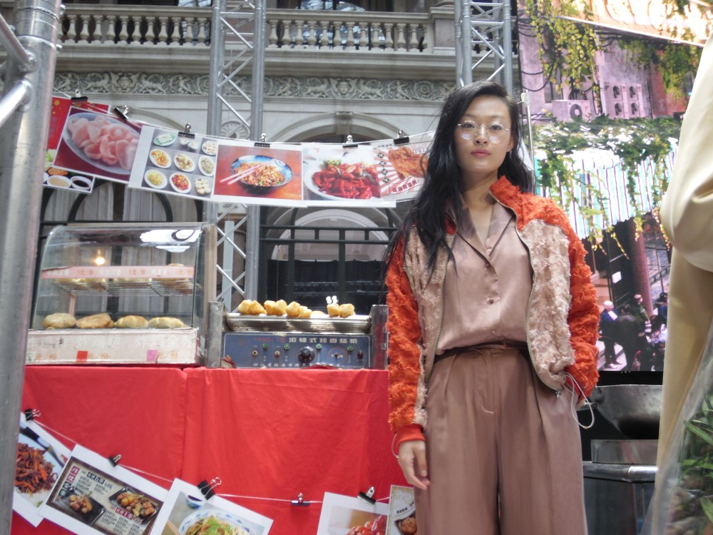 #LFW Steventai - kínai piacozás a brit Külügyminisztériumban - oszi-es-teli-divat, minden-mas, london-fashion-week, fashion-week -