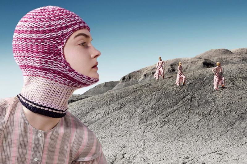 Furcsa kampánnyal várja az őszt Calvin Klein - kampanyok -