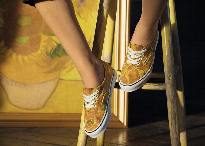 Kapszula kollekciót készített a Vans és a Van Gogh múzeum - kiegeszitok-2, cipo-2 -