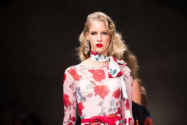 Mero Peter Budapest central European Fashion Week nőies alkalmi ruha magyar divattervező