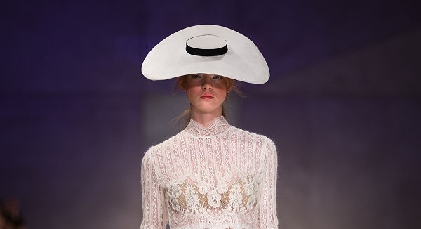 Pásztor romantika a divathéten - Sármán Nóra SS19 - fashion-week, eskuvoi-ruha-2, central-european-fashion-week -