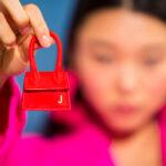 Megérkeztek a világ legkisebb női táskái, hordanád őket?