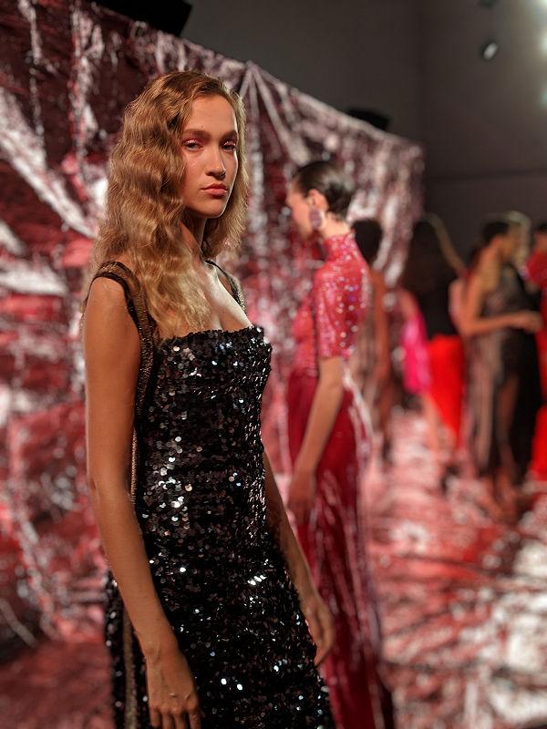 Paula Knorr London Fashion Week AW 19 20 divathét hetvenes évek