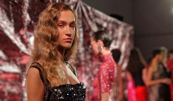Disco láz a divathéten- Paula Knorr FW 19/20 - london-fashion-week, fashion-week -