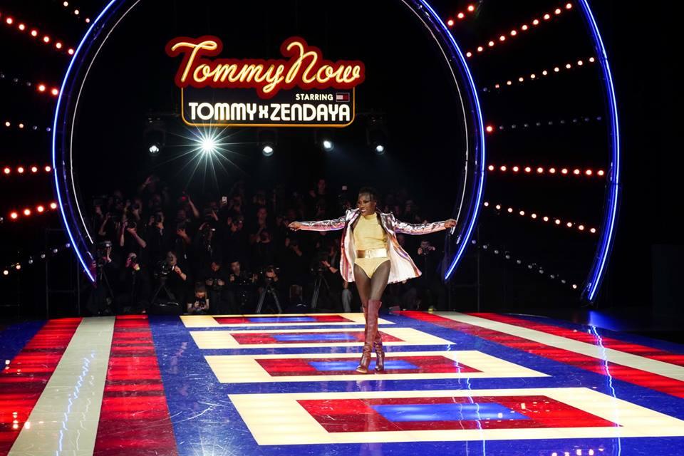 Tommy Hilfiger a 70 éves Grace Jones-t küldte kifutóra - ujdonsagok -