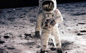 Divat Morzsák: Mi a közös az űrruhában és a melltartóban? - divat-tortenetek, ujdonsagok -