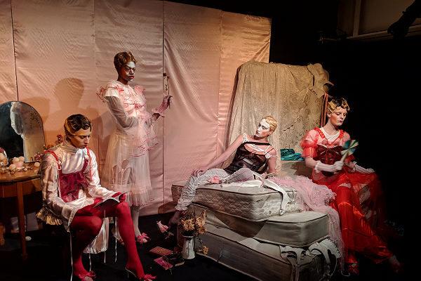 Magyar tervező mutatott be  Londonban a  Divathéten - Fábián Kis-Juhász - magyar-divat, london-fashion-week, fashion-week -