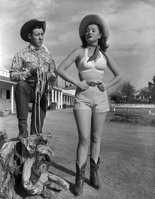 A cowboy csizma története - ujdonsagok, cipo-2 -