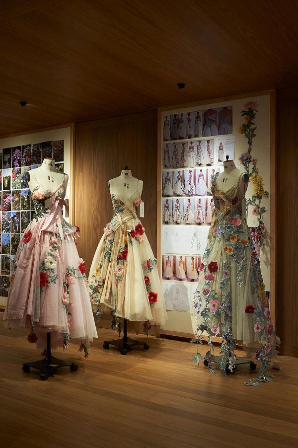 Roses - kiállítás Alexander McQueen londoni üzletében - kiallitas, ujdonsagok -