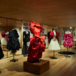 Roses – kiállítás Alexander McQueen londoni üzletében