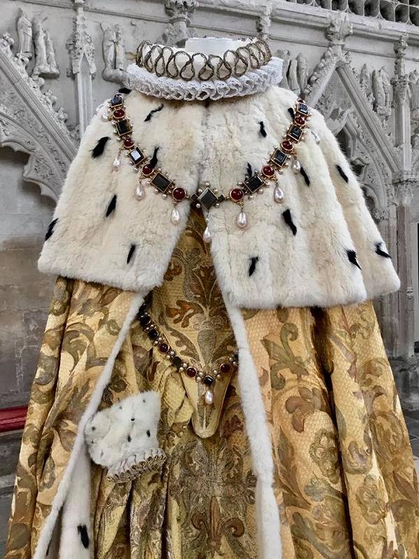 Oscar díjas jelmezek az Ely katedrálisban - kiallitas, jelmeztervezok, jelmez, ujdonsagok -